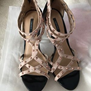 Forever 21 heel, strappy size 6 cream peachy color